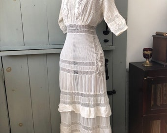 Vintage 1900s 1910s Edwardian white lace dress