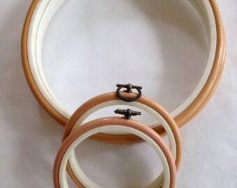 Plastic Embroidery Hoops, Flexi Hoops,  Plastic Hoop Frame, Embroidery Hoop Frame, Flexi Plastic Hoop, Round plastic Hoops  - Set of 5