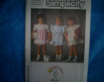 Simplicity 6868 Size Sm-Med Dresses.