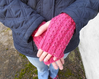 Gift for Mom. Pink Knit Gloves. Knitted Fingerless Gloves. Cable knit gloves. Wrist Warmers, Texting Gloves. Fingerless Mittens.