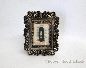 Mini Framed Rustic Letter Q on Vintage Dictionary Page