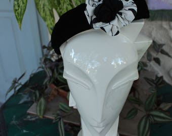 Vintage Pill Box Hat - Flower Detail