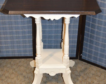 Antique Cottage Style Small Accent Table