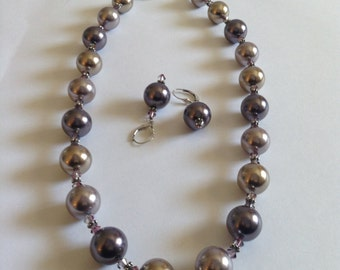 Crystal pearl necklace and earring set