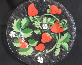 Vintage SYDENSTRICKER Fused Art Glass PLATE - STRAWBERRY Pattern Signed 8-1/2""