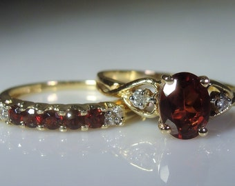 10K Garnet and Diamond Bridal Ring Set, Engagement Ring & Wedding Band, Bridal Ring Set, Engagement Ring, Wedding Band, Vintage Rings, Sz 8