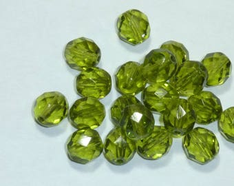 10 pearls 8mm Czech faceted olive green