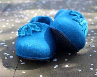 Houseshoes, women home slippers, Felted women slippers, dark turquoise  teal felt slippers from soft merino wool, felt wool clogs, valenki