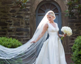 FRENCH SILK TULLE Cathedral Veil with French Chantilly Lace Wedding Veil, Couture-Quality - Wetherly