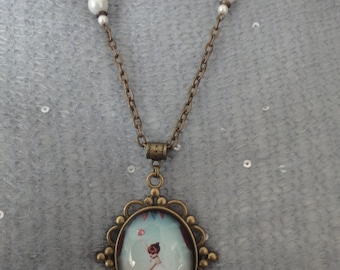 Necklace with Pendant in bronze and glass cabochon