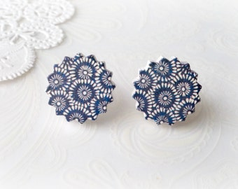 Wooden Round Zig Zag with Blue Retro Flower Stud Earrings