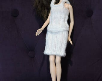 Skirt and knit top for Barbie hands