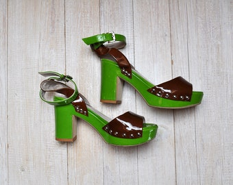 Vintage 90s Does 70s Two Tone Lawn Green and Brown Patent Leather Peep Toe Platform Chunky Heel Strappy Shoes Size 6