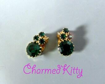Vintage 1950s Green Rhinestone Earrings - 50s Deep Emerald Green Rhinestone clip Earrings - on sale