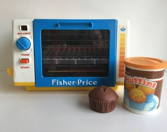 1980s Fisher Price FUN WITH FOOD #2117 Golden Glow Toaster Oven