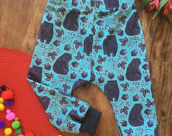 Bonito Clothing bears & wild strawberries 6-9 months