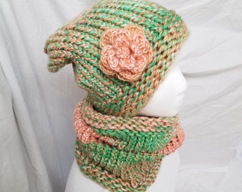 Set of Hat and neck warmer with a rose - snickerdoodle