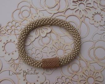 Beige Crochet Beaded Bracelet with Peyote detail