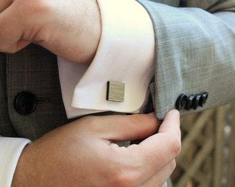 Carré de boutons de manchette en bois, cadeau garçons d'honneur, 5ème cadeau d'anniversaire, bois récupéré, boutons de manchette pin ponderosa
