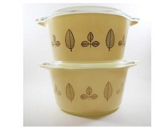 Pyrex Buffet Twins Leaf Pattern 473, 1 qt with lids, Mrs Maisel, gold, vintage pyrex, old pyrex, collectible pyrex,
