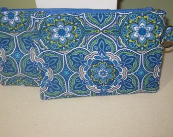 blue flowered zipper pouch w/key ring
