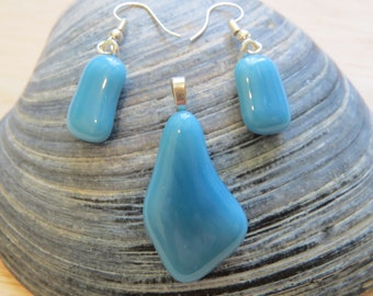 0248 - Pastel Blue Fused Glass Pendant and Earring Set