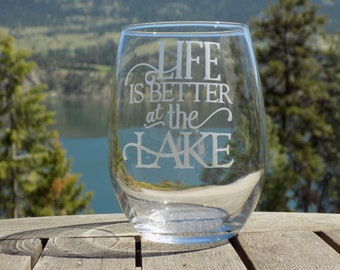 Lake Life Wine Glass, Lake House Decor, Lake Decor, Country Cottage Decor, Glasses for lake house, Wine Glasses for Friend, Drinking Glass
