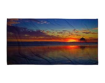 Huntington Beach Pier Sunset Beach Towel