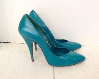 Teal green shoes 5.5 / Aquamarine blue leather heels / Sacha London heels / 80s pumps / Blue leather shoes / 80s heels