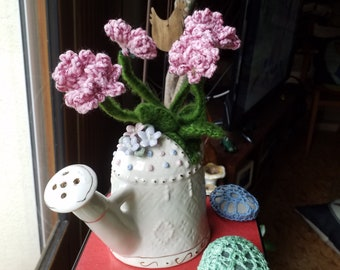 Planter, VASE, trimmed with flowers of wallflowers gardens
