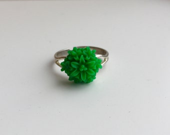 Green dahlia flower adjustable ring - Boho Ring - Gifts Under 10 - Gifts for her - Jewelry for her - Gifts for Girls