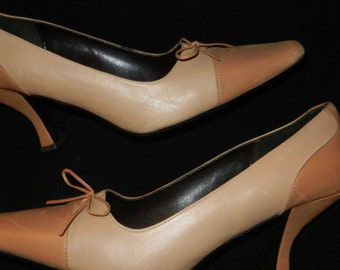 """Taupe Leather Pump 3"""" Tapered Heel - Size 9M - Very Little Ware"""