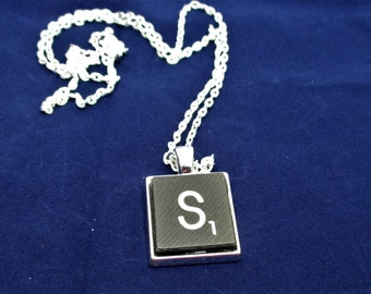 SCRABBLE INITIAL S NECKLACE with chain