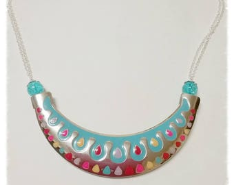 Necklace silver and colorful, with beads