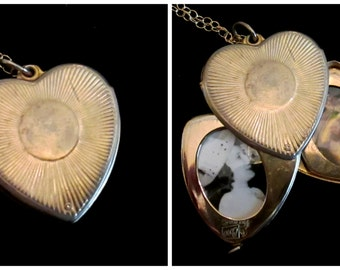 Vintage Coro 4 Picture Locket - Chain of Love