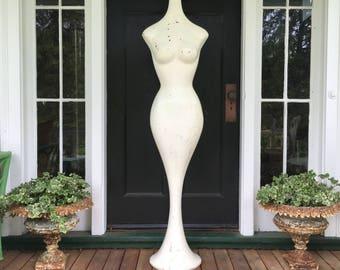 Vintage Art Deco style mannequin