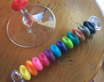 Set of 12 multicolored wine glass markers identifiers charms rubber dinner party 80s