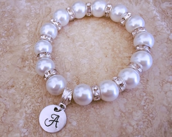 Personalised pearl bracelet. Gift idea. Bridesmaid gift.
