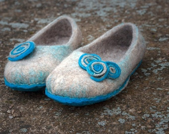 Turquoise Sand felted wool slippers for women,  Warm house shoes, boiled wool slippers, Handmade felted clogs from wool felt, eco friendly