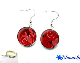 Red earrings, leaves and red and black arabesques, 3107 glass cabochons