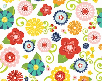 Lazy Day Main Flowers on White by Riley Blake, yard