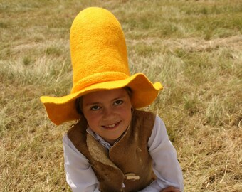 """Yellow Farmers wide brim Floppy felted Hat - Pettson Hat - Pettersson Hat - """"Pettersson and Findus"""" Costume - Cosplay LARP Hat - To order"""