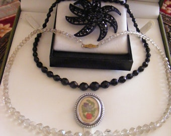 Two Vintage Necklaces & Two Vinage Brooches