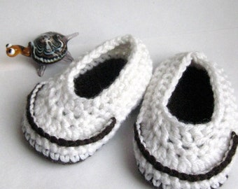 SALE! Crochet baby Slippers, infant slippers, Baby booties, Baby shoes.