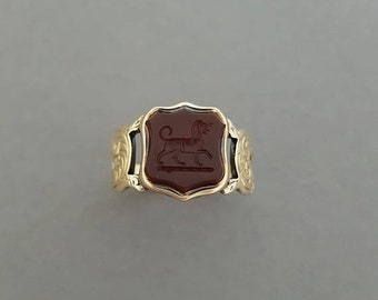 CLOSING SALE // Antique Early / Mid Victorian Hand Carved 9K Gold, Carnelian Stone Talbot / Dog/ Hound Intaglio / Signet Ring / Shield - Ext