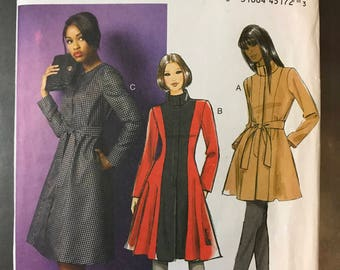 Butterick B5966 - Flared Jacket or Coat with Optional Stand Up Collar, Belt, and Contrast Fabric Option - Size 18 20 22 24 - MN