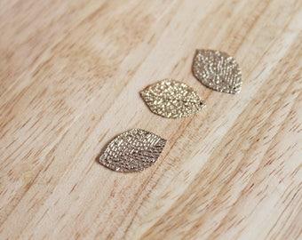 Set of 3 leaf pendants
