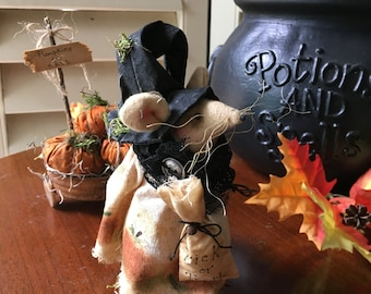 Primitive Halloween Mouse , Primitive Pumpkins , Primitive Witch , Country Mouse , Autumn Table Display , Fall Room Decor , Halloween Decor