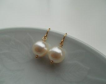Bridesmaid Earrings, Silver 0r Gold Earrings, 8mm Swarovski Pearl Earrings, Wedding Gift, Flower Girl Gift, Birthday Gift, Bridesmaid Gift