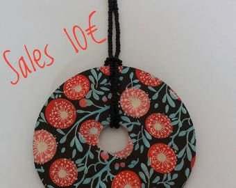 Necklace with Circle Pendant